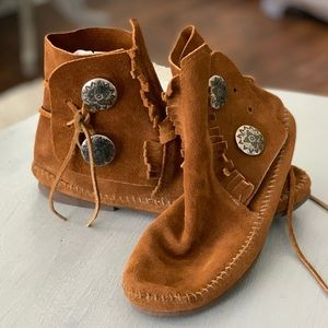 Other - Minnetonka style leather moccasins. Big girls 6